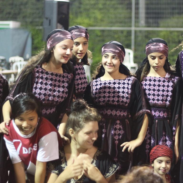 IJK 2013: Tradiciaj dancoj